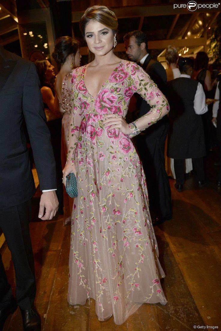 A blogueira Thássia Naves escolheu o vestido da grife Patricia Bonaldi para o baile da AmfAR