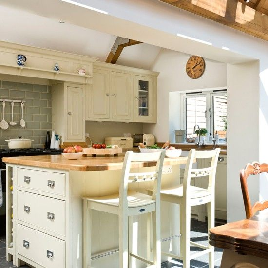 Open-plan Cream Kitchen