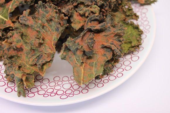 Apple Pie Kale Chips