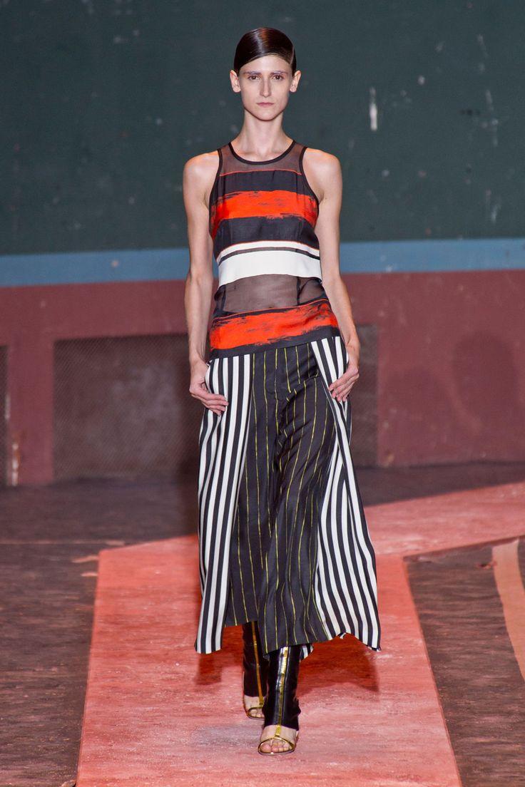 Défilé Cédric Charlier prêt-à-porter printemps-été 2014, Paris. #PFW #runway #fashionweek