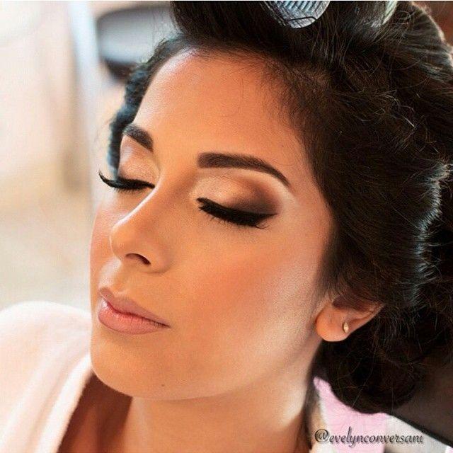 Completamente apaixonada MESMO por essa make de noiva by @evelynconversani Já salvei na minha pastinha de inspirações ❤ #casamento #wedding #bride #noiva #amor #love #casandinho #madrinha #bridesmaid #dress #vestidodenoiva #bridaldress #bridal #make #makeup #maquiagem