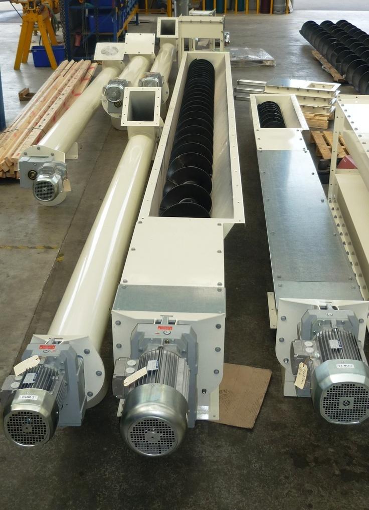 Feed screw conveyors