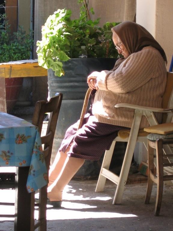 Taking a quick nap - Kreta (2005)