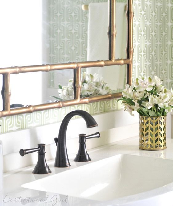 bathroom makeover mixing brass & oil rubbed bronze