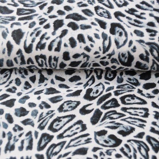 StofLuipaardUit de serie Big Catsvan South See Importsselecteerden we de stof Luipaard.100% katoenstofbreedte: 114 cmPrijzen zijn per 25 cm. Selecteer hieronder de lengte en de hoeveelheden. De stof wordt uit 1 stuk geknipt.