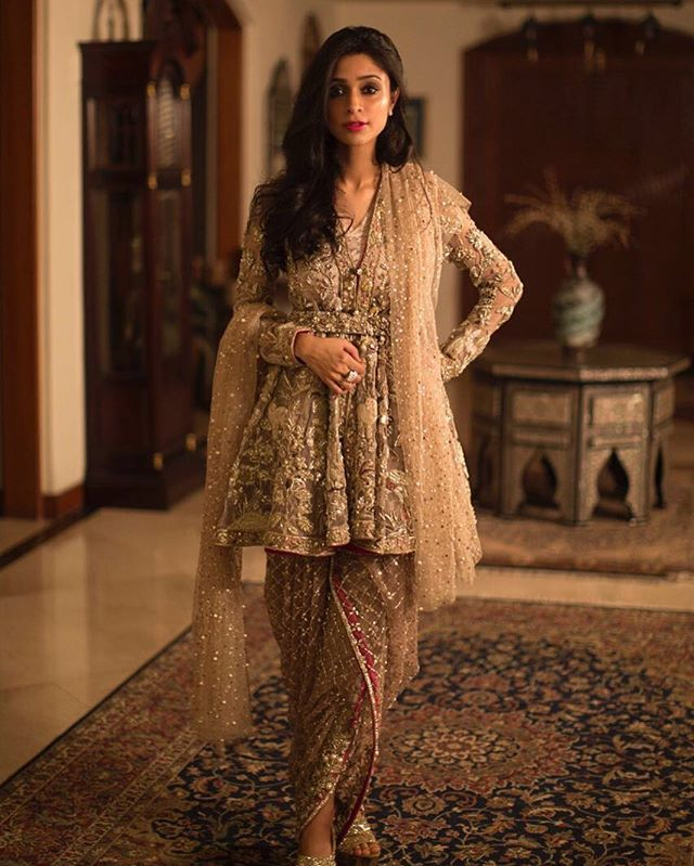 Muzi Sufi oozes glamour at a family wedding this weekend in Élan, Jasmine Court. #muzisufi #elan #hellopakistan