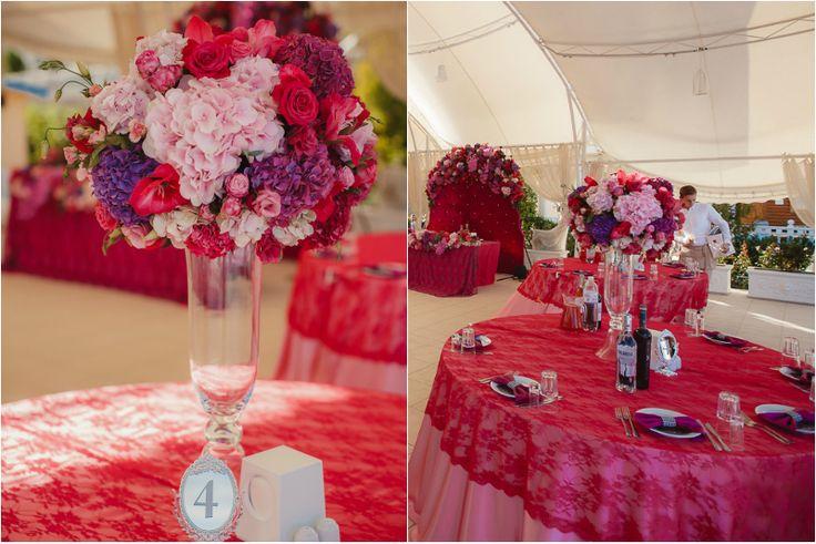 Wedding decor. Яркий декор свадьбы. Столы для гостей. Изысканная сервировка столов.
