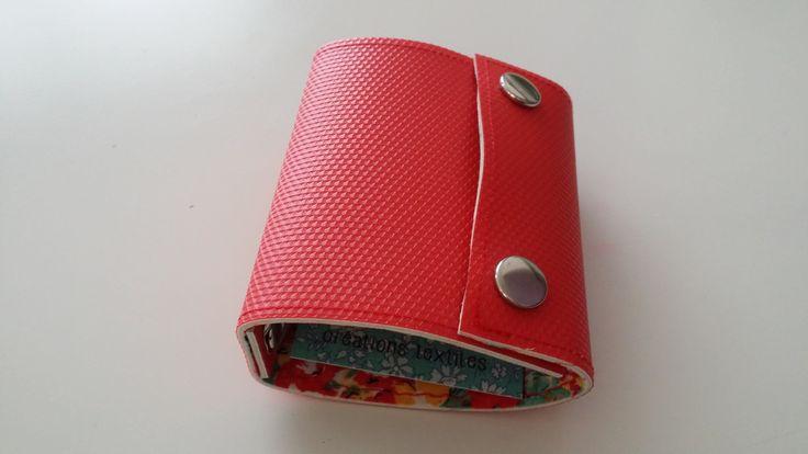 Recyclé - Porte-cartes en linoleum rigide recyclé couleur rouge : Etuis, mini sacs par lileocraies