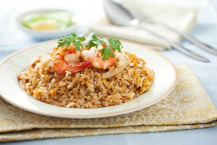 Stekt ris er hverdagsmiddagen du gleder deg til. Har du spist stekt ris én gang, skjønner du hva vi snakker om. Kjempesunt, raskt å lage og god på smak!
