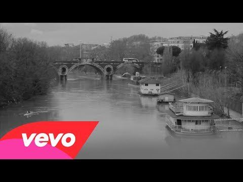 """Regia: Cosimo AlemàProduttore: La Sugo SrlDirettore della fotografia: Edoardo Carlo BolliEditor: Giulio TibertiAcquista """"All'improvviso""""iTunes http://bit.ly/1jrViqbAmazon.it http://amzn.to/1aOpEhvGoogle Play http://bit.ly/M2raUwAscolta suSpotify http://spoti.fi/1hR0b9fMusic video by Zero Assoluto performing All'Improvviso. (C) 2014 Universal Music Italia Srl"""
