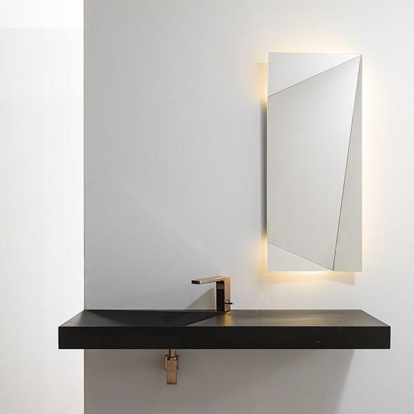 Les 25 meilleures id es de la cat gorie miroir lumineux for Miroir mural vertical