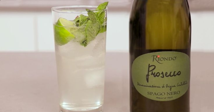 Looking to step your brunch cocktail game up? Look no further than this Riondo Prosecco Mojito for an exquisitely refreshing drink!