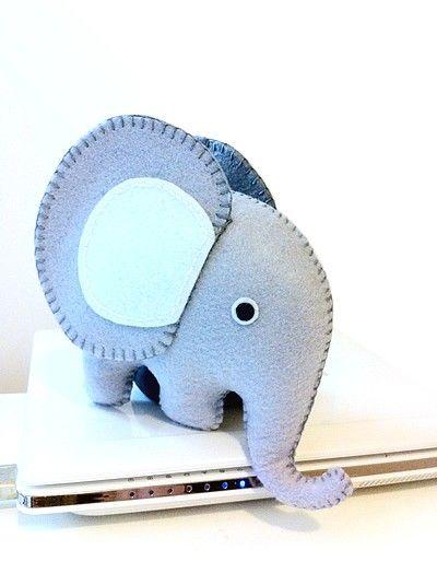 felt elephant: Elephants Patterns, Felt Crafts, Elephants Pdf, Loopz Etsy, Cuti, Felt Fabr, Cute Elephants, Grey Felt, Felt Elephants