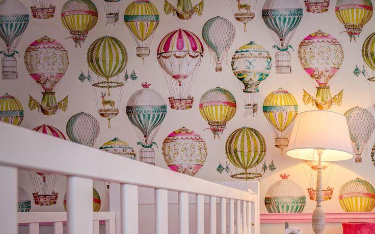 Baby Twins - Ana Antunes Interior Designer - Manoel Canovas Wallpaper - hot hair ballons - Baby girl