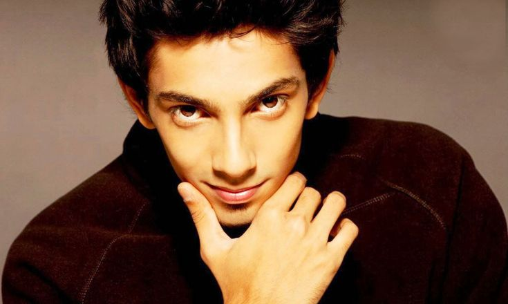 Anirudh Ravichander Special:   Nee Enna Periya Appatakkara ... was the song that was crooned by in the musical score of Imman Composer music for Gautham Karthik...  Read More: http://www.kalakkalcinema.com/tamil_news_detail.php?id=6589&title=Anirudh%27s_special