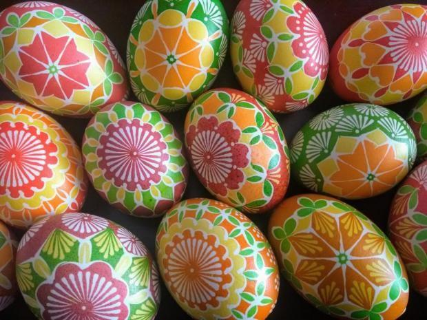 baac000d2 Batikované kraslice, Veľkonočné dekorácie Veľkonočné Vajíčka, Vzory Na  Pletenie