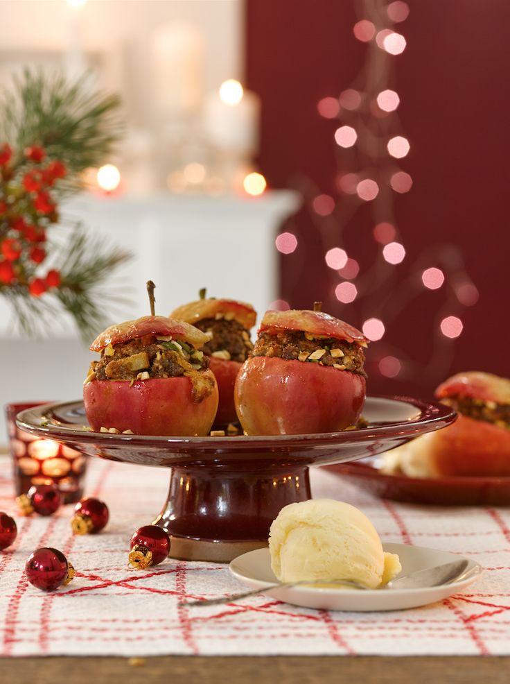 Bratapfel mit Eis & Lebkuchen-Crumble