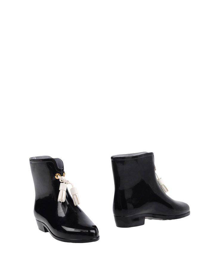 VIVIENNE WESTWOOD ANGLOMANIA ANKLE BOOTS. #viviennewestwoodanglomania #shoes #