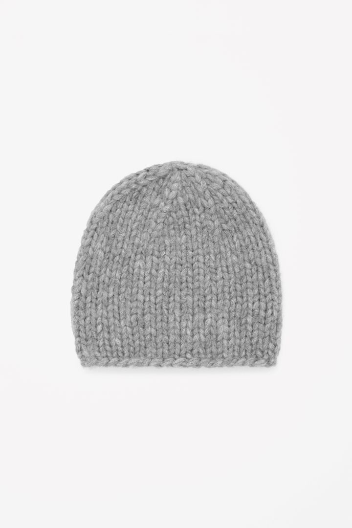 Chunky-knit wool hat