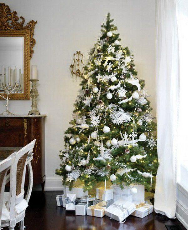 ▷ Weihnachtsbaum schmücken - Weiß und Silber als Tannenbaumdekoration