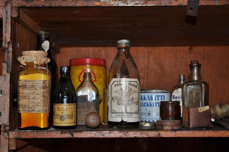 photos :: bottles.jpg picture by londonlove - Photobucket