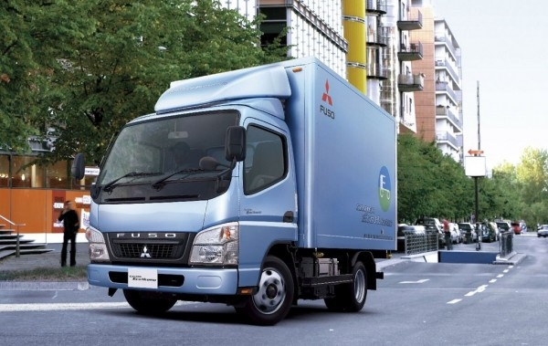 Mitsubishi Fuso Canter Eco Hybrid Truck