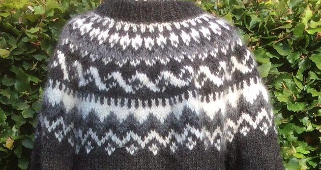 Vælg dit mønster, din farve og din strørrelse. Personlig IslænderSweater. Håndstrikket med Organic Islandsk Uld.