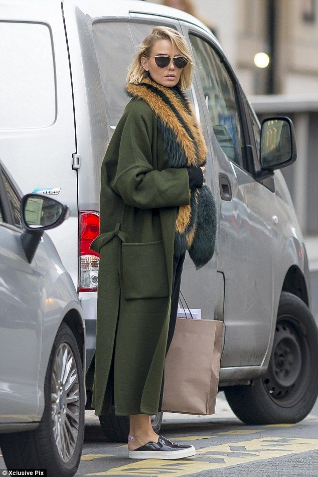 Flat out: The star also opted for a pair of comfy trainers for her trek around the glamoro...