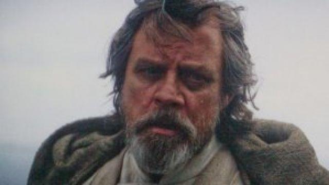 """""""Eu basicamente discordo de cada escolha que você fez para esse personagem"""", disse Mark Hamill, sobre os rumos tomados pelo diretor Rian Johnson para Luke Skywalker. #starwarsmob"""