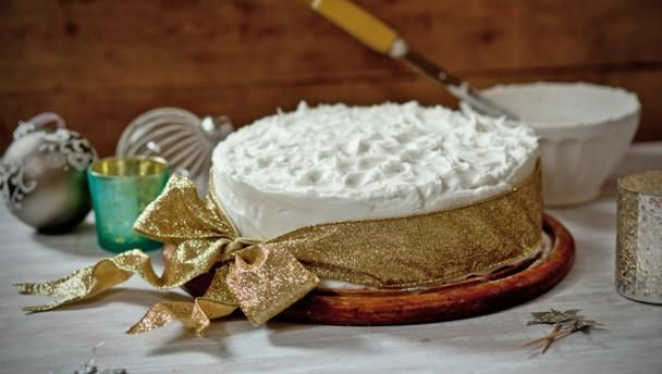 Mary Berry's classic Christmas cake |      Mary Berry's been making her Christmas cake recipe for as long as Paul Hollywood's been alive. She knows what she's talking about.