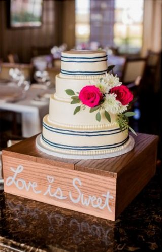 How To Incorporate Stripes Into Your Wedding - Preppy Wedding Style