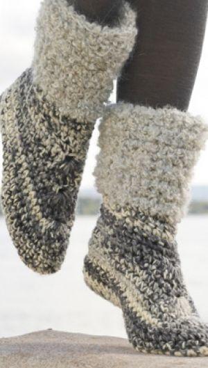 Hækleopskrift på lune tøfler i garn af bl.a. uld og mohair | Hold fædderne varme med bløde tøfler | Håndarbejde