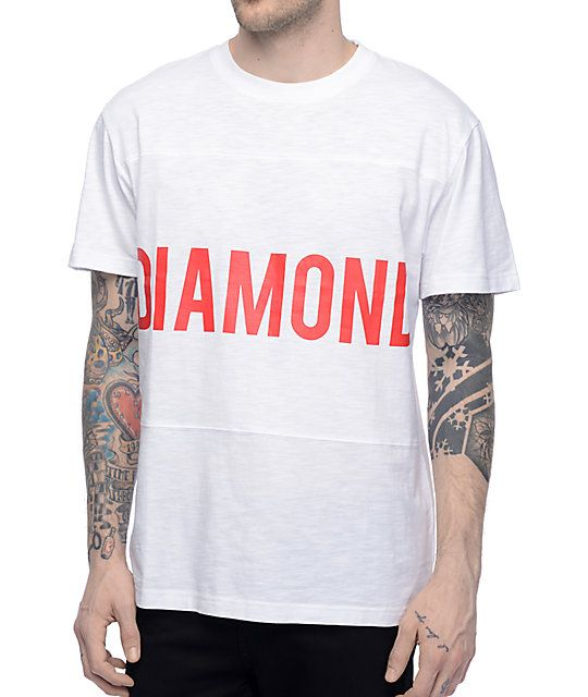 Make a clear and bold statement with the Speedway white panel t-shirt from Diamond Supply Co. This white tee features a bright red Diamond text logo across the chest and gives a dimensional look with the 3 panel body. The melange material offers lightweig