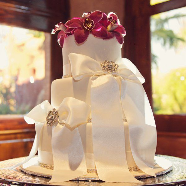 Winter Wedding Cake Flavors: 1000+ Ideas About Wedding Cake Flavors On Pinterest
