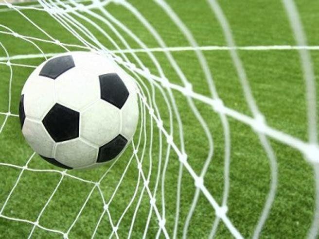 La 12a giornata di Serie A di calcio si apre con due anticipi. Il primo è Torino-Cagliari con due squadre a quota 16 punti e lanciate a guadagnarsi un post