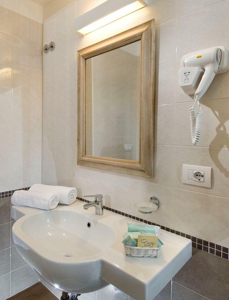 Particolare bagno camera standard