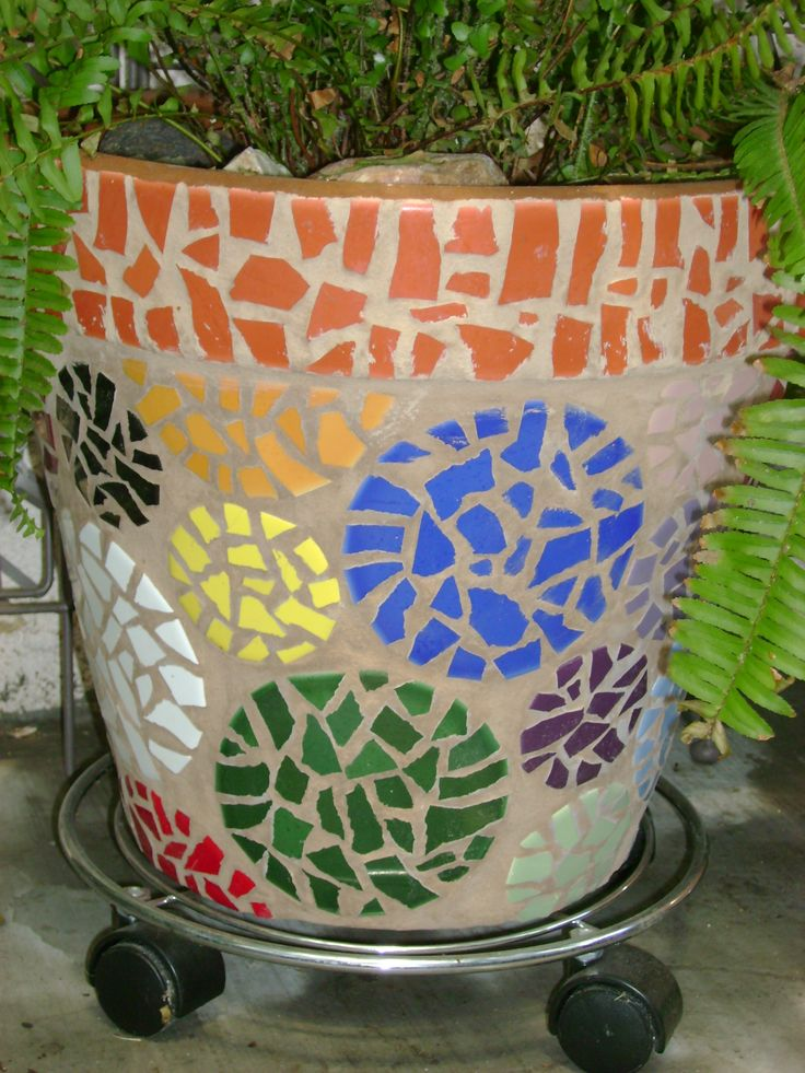 Mosaic planter by Ziggy