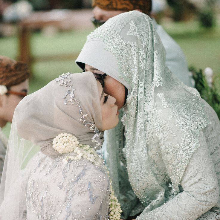 Hjiab Mother and Bride Inspiration / Indonesian Wedding