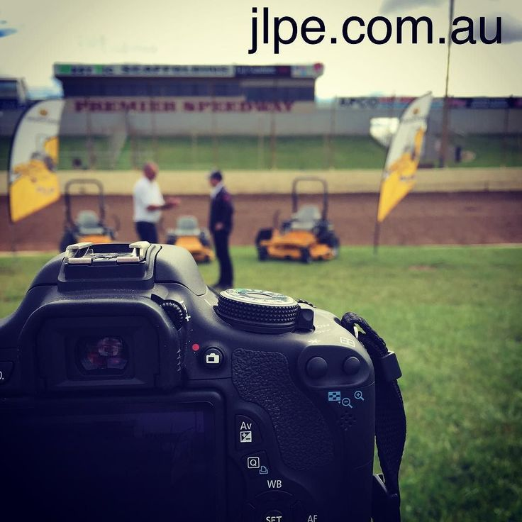 Friday flashback  video marketing for one of our clients at Premier Speedway Warrnambool. #marketing #slr #videopromos #hdvideo #warrnambool #shop3280 #premierspeedway #dj by james_leversha_entertainment