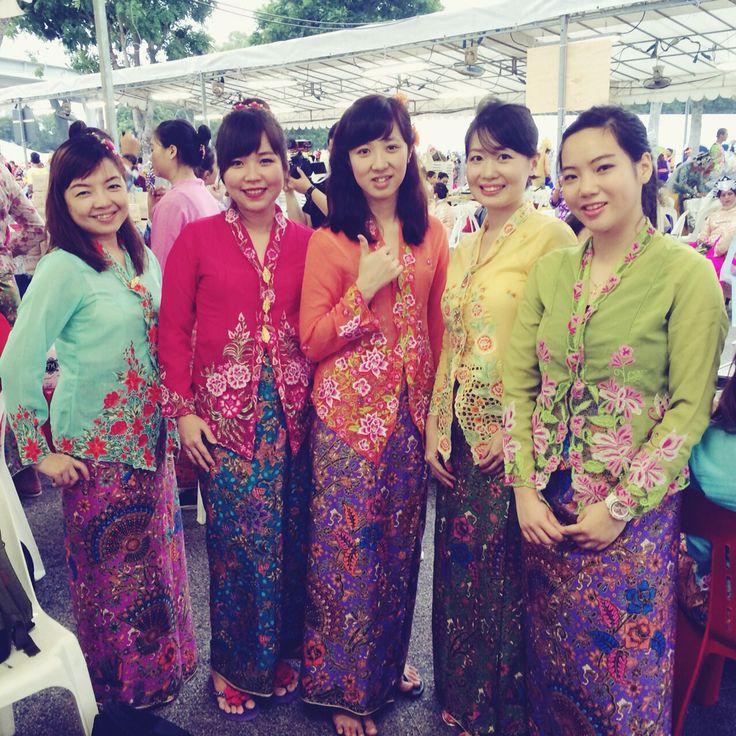 Nyonyas in colourful sarong kebaya