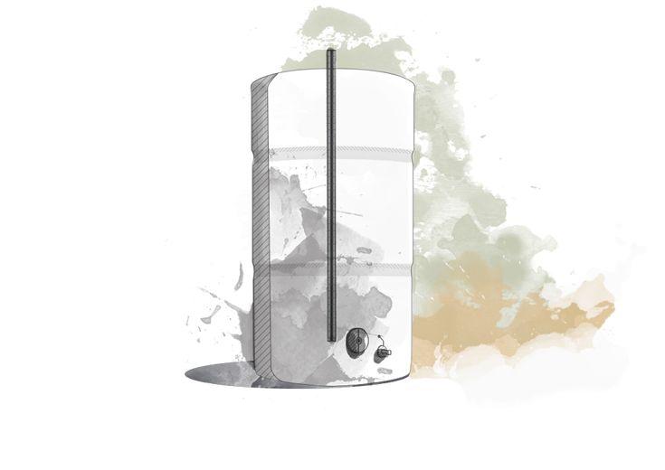 Depois de todas as etapas e das diferentes técnicas que envolvem o processo de fabrico, o Licor Beirão é filtrado e armazenado em depósitos de inox, esperando alguns meses para se aconchegar em milhares de garrafas.