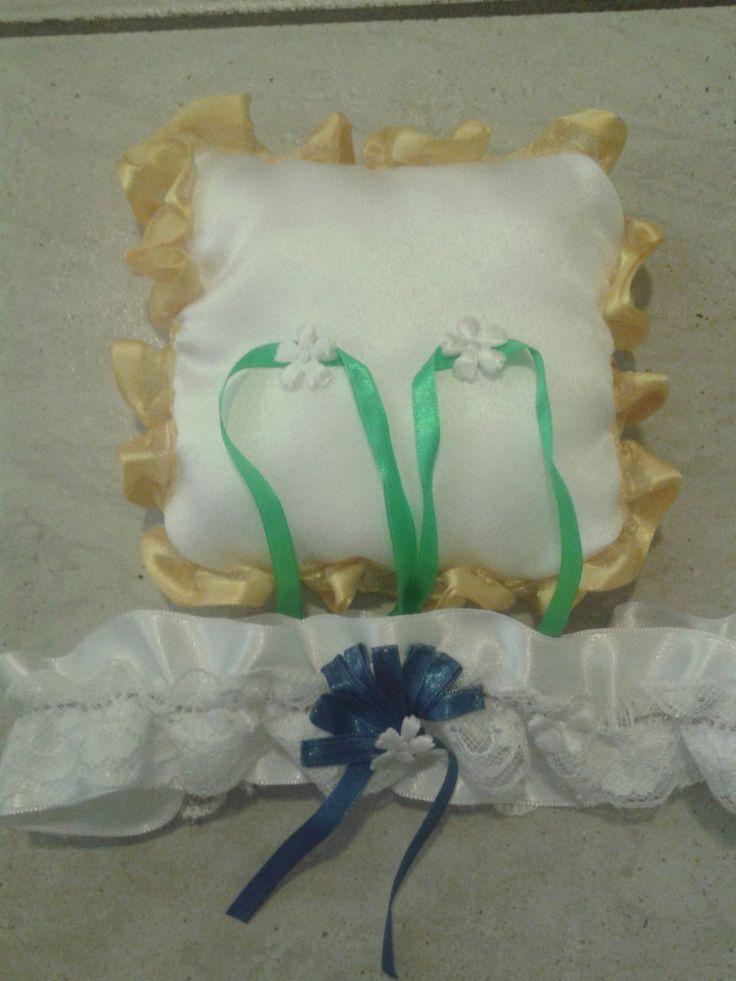 Gyűrűpárna + harisnyakötő - esküvőre