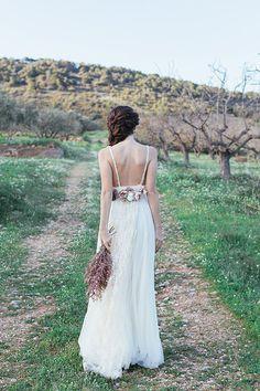 Ανοιξιατικη φωτογραφηση με νυφικα Madame Shou Shou  See more on Love4Weddings  http://www.love4weddings.gr/madame-shou-shou-wedding-dresses-spring-photoshoot/  Photography by Olga Batyrova   http://www.olgacreativephoto.com/