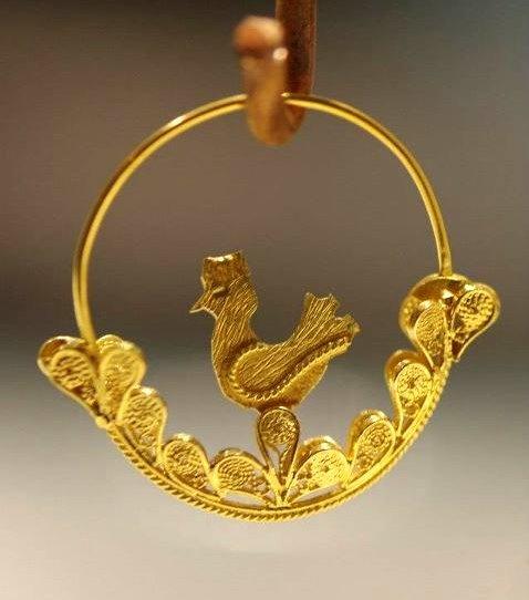 Sardinia gold jewelry  spilla caboniscu