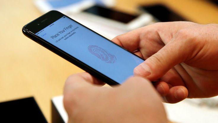 El botón de inicio del iPhone 8 será virtual y cambiará de tamaño dependiendo de para qué lo uses   Nuevo código en el 'firmware' de la HomePod revela detalles de cómo funcionará el sustituto del clásico botón físico de Inicio (o Home) en el nuevo iPhone.  El código de la bocina inteligente HomePod sigue revelando detalles del iPhone 8.  Esta semana el conocido desarrollador Steven Troughton-Smith dijo que hay nueva evidencia del botón virtual que aparecerá en la parte inferior de la nueva…