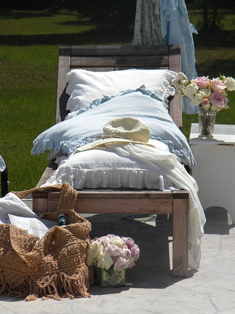 ahh...summer naps...: Gardens Beds, Lounges Chairs, Outdoor Living, Country Pillows, Shabby Chic, Gardens Recliners, Soft Color, Outdoor Spaces, Comfy Chairs