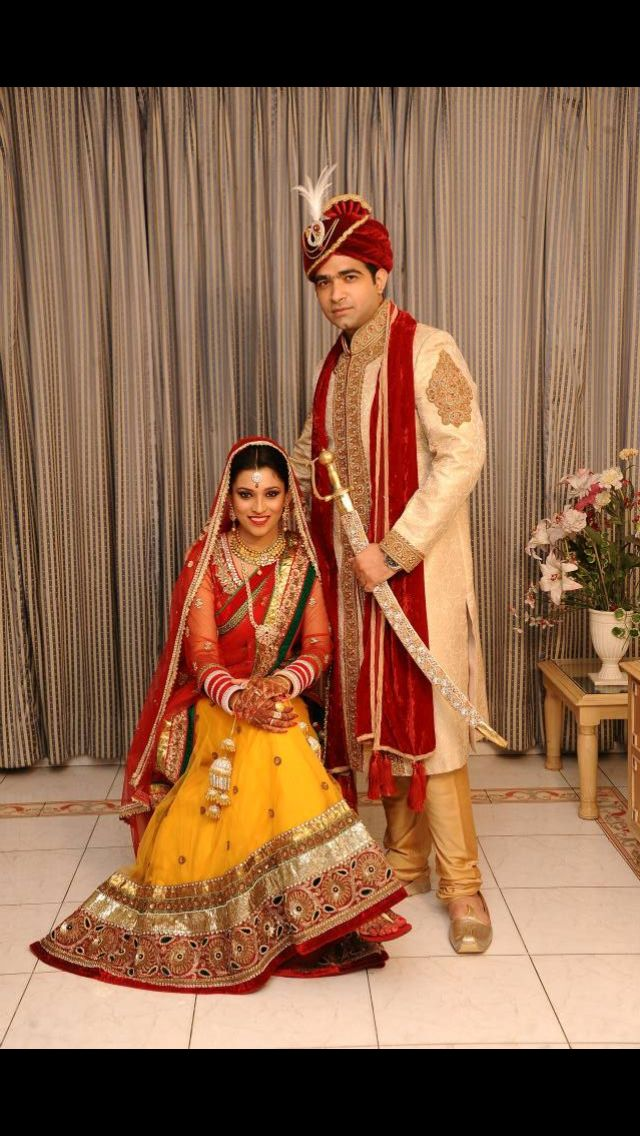 indianwedding#indiancouple#indianbridegroom#yellowredlehenga