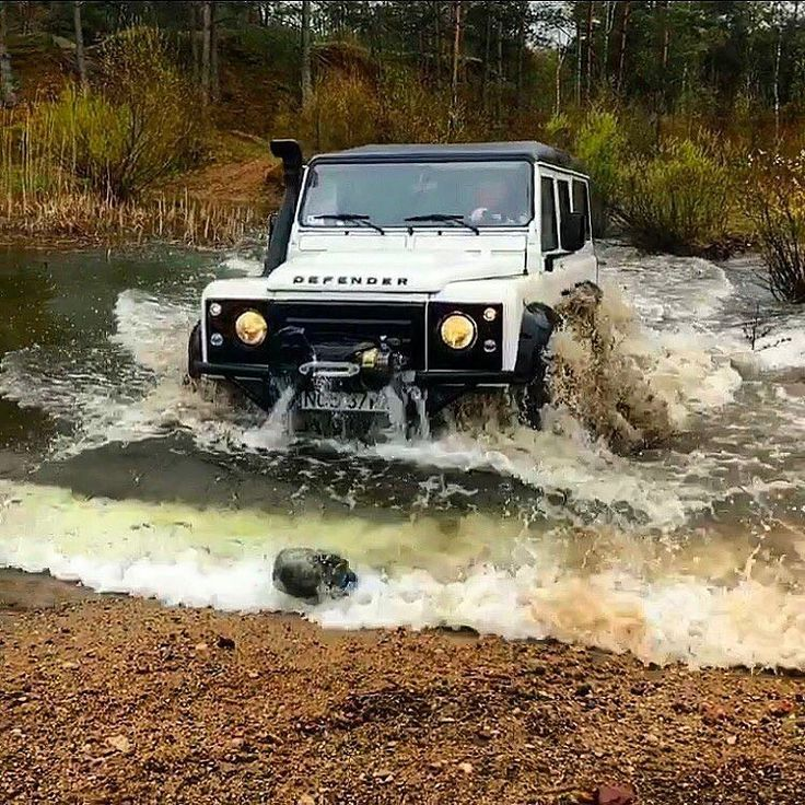 "3,535 Likes, 7 Comments - @landroverphotoalbum on Instagram: ""@dziura602 making waves wherever they go! #landrover #Defender110csw #landroverdefender…"""