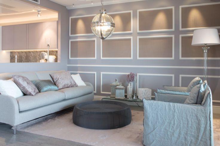 Olohuoneen pitää olla viihtyisä. Sen mahdollistaa Interfacen sohva ja Casuarinan nojatuolit. #asuntomessut #yitasuntomessut #asuntomessut2014 #yitdramaqueen #yitdramaqueenolohuone
