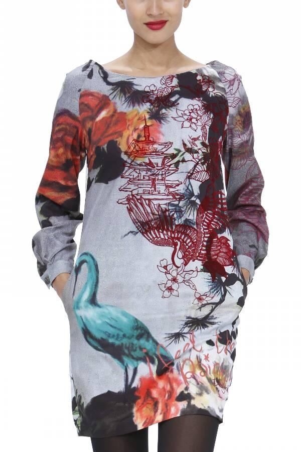 Vestido estampado inspiración oriental.